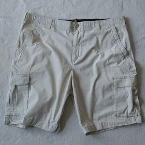 Apt.9 cargo shorts, EUC